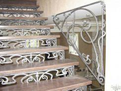 Художественная ковка в декоре лестниц