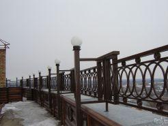Ограждение для балкона в строгом стиле