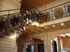 Ограждение из стекла с красивым декором